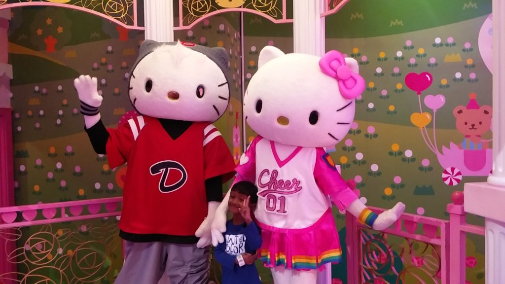 Hello Kitty Daniel