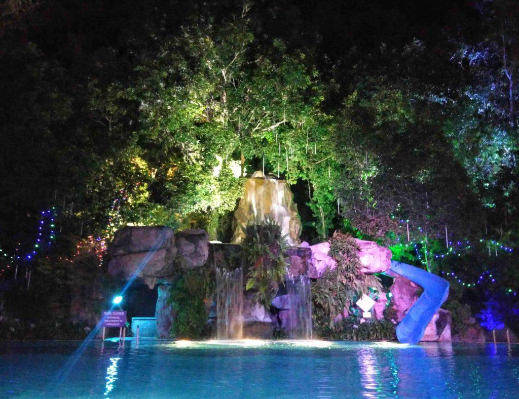 aseania_pool_night