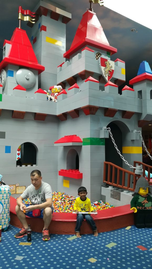 legoland_hotel_castle