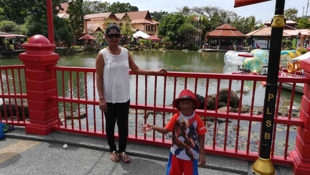 oriental_village_bridge